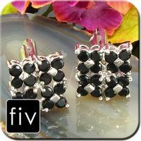 Spinki do mankietów kolor srebrny z czarnymi kamieniami