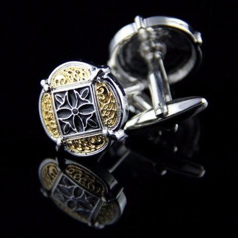 Złoty ornament spinki do mankietów