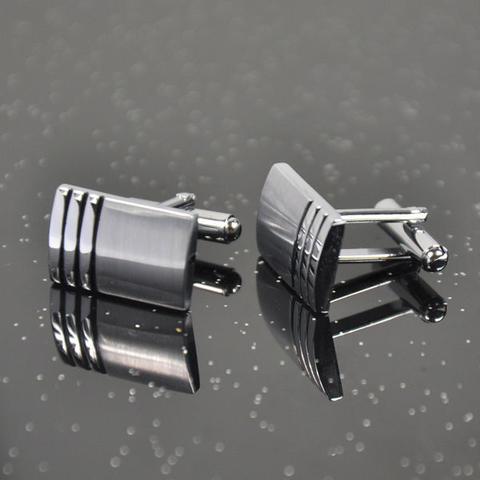 Spinki do mankietów ze stali składa się z trzech taśm